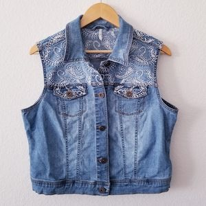 Embroidered Stitched Paisley Denim Jean Vest Large